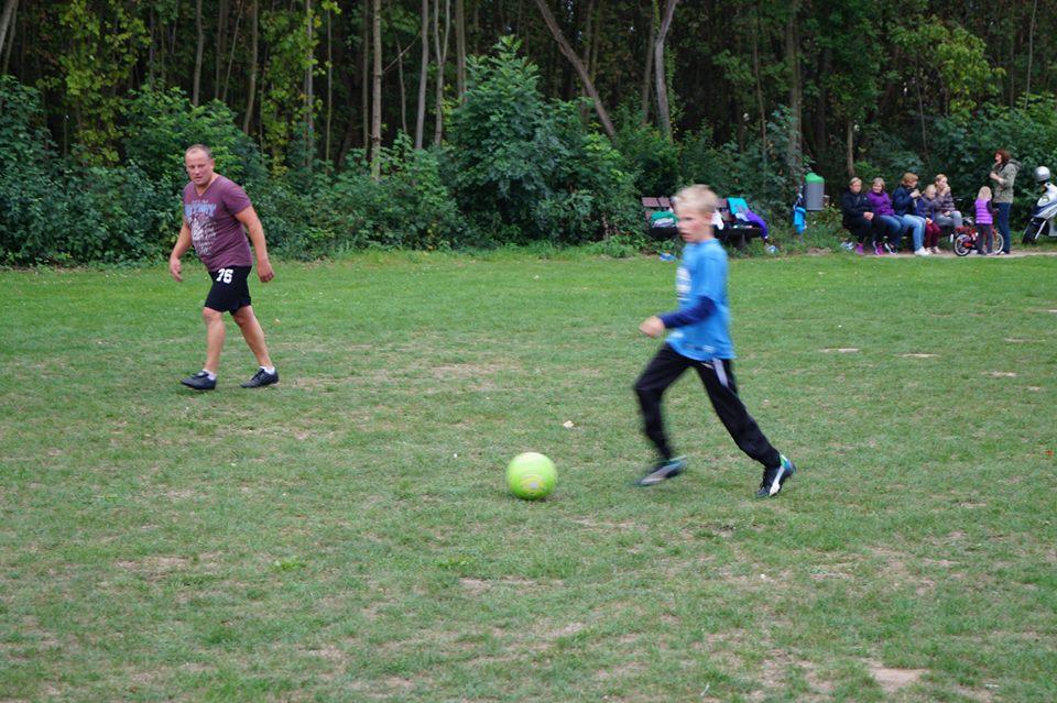 2015.09.05.futbolas_huettenfelde (12)